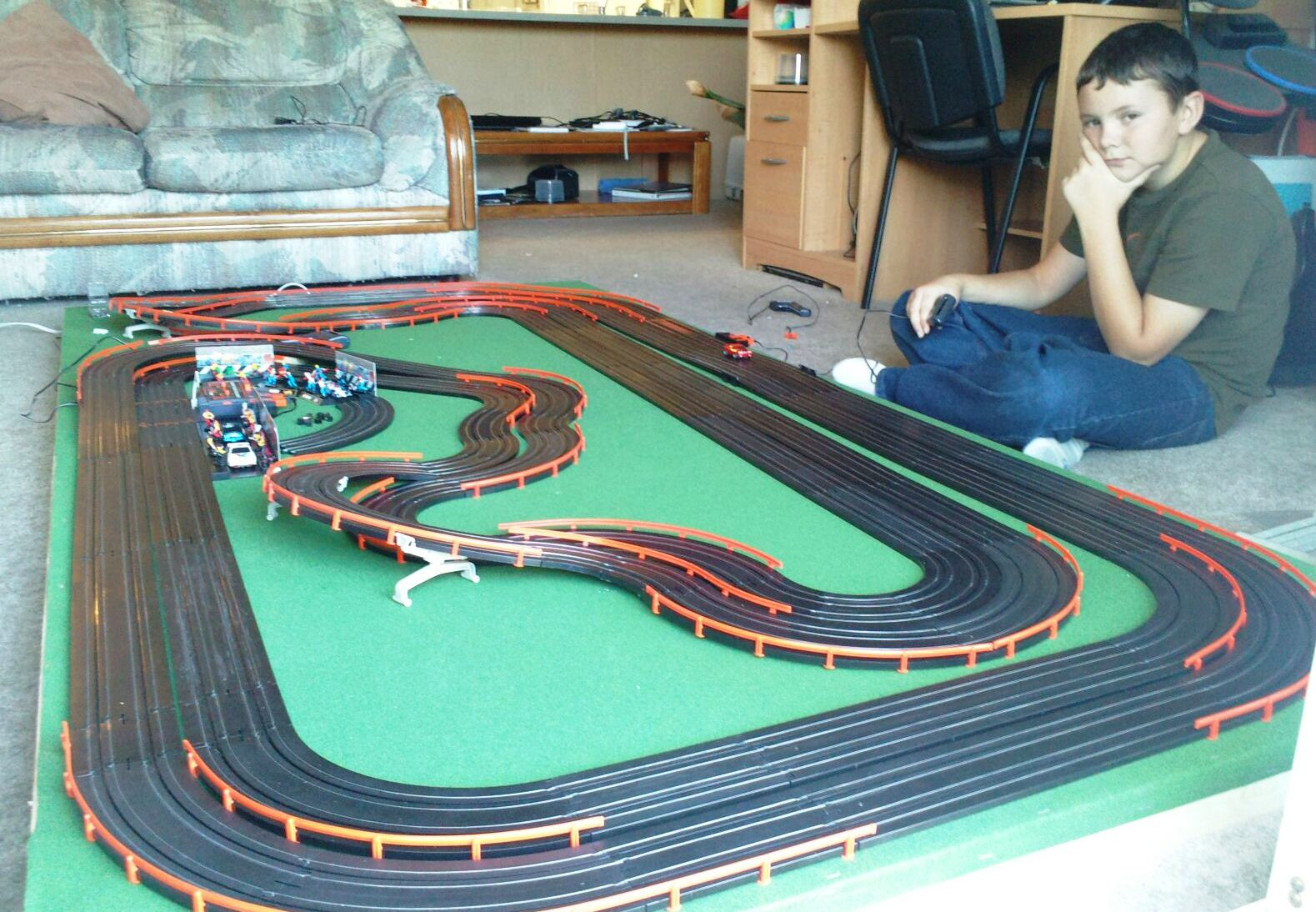 drag slot car racing with Ho Slot Car Scenery Track Project on 2005 1 as well POD 030803 additionally Slotters weebly further Index also 143763413078663492.